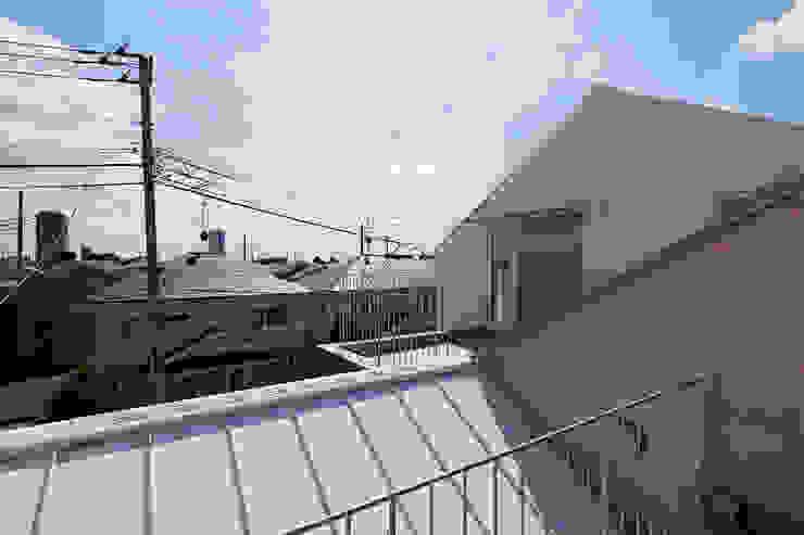 sandwich apartment オリジナルデザインの テラス の 池田雪絵大野俊治 一級建築士事務所 オリジナル