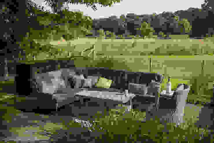 Modern style gardens by Meeuwis de Vries Tuinen Modern