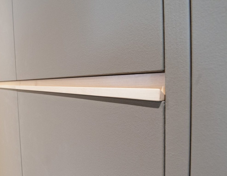 Andrea Stortoni Architetto Corridor, hallway & stairsClothes hooks & stands