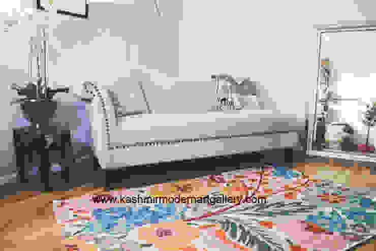 Double dyed wool rug: modern  by kashmir modernart gallery,Modern