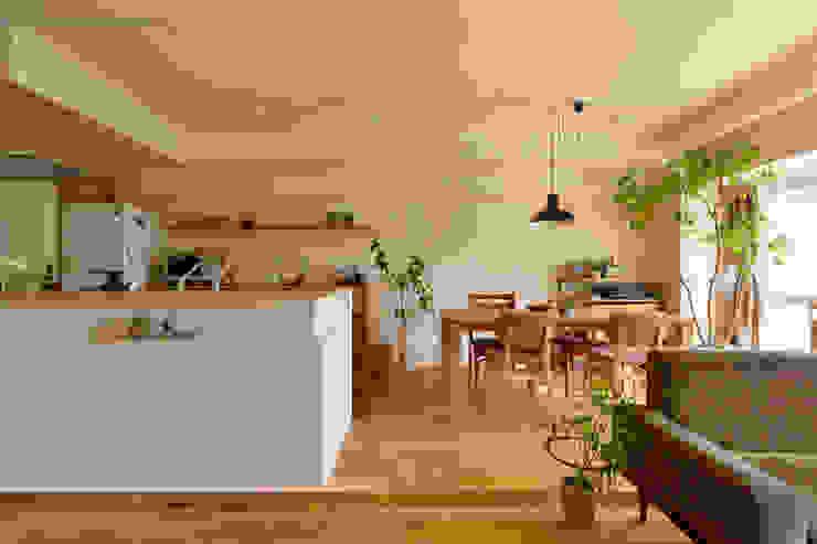 Dining room by 株式会社スタイル工房, Modern