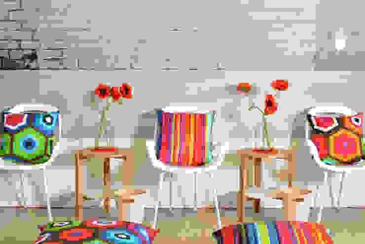 Starke Dessins und tolle Farben: modern  von APART,Modern