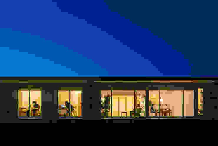 梅香苑の家: 中野晋治建築研究室が手掛けた家です。,モダン