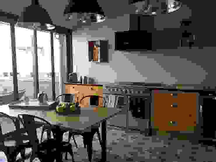 Kitchen by Aparté conseils, Modern