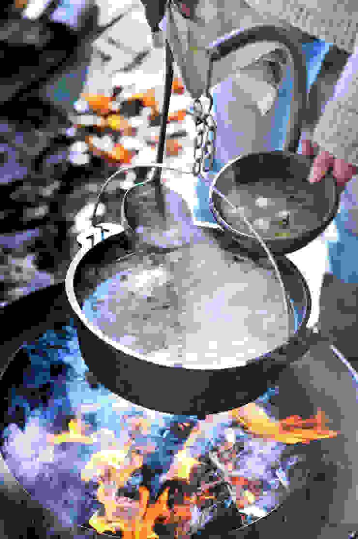 biqju; barbecue, vuurschaal, kookeiland en tafel inéén van biqju Eclectisch