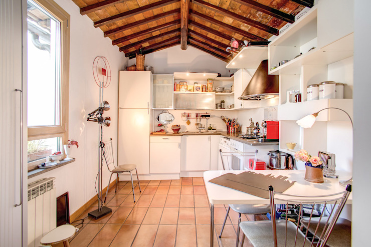 Cocinas de estilo  por MOB ARCHITECTS,