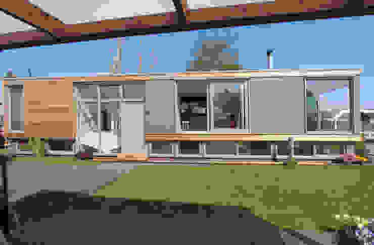 Drijvende recreatie woning Moderne huizen van Bob Ronday Architectuur Modern