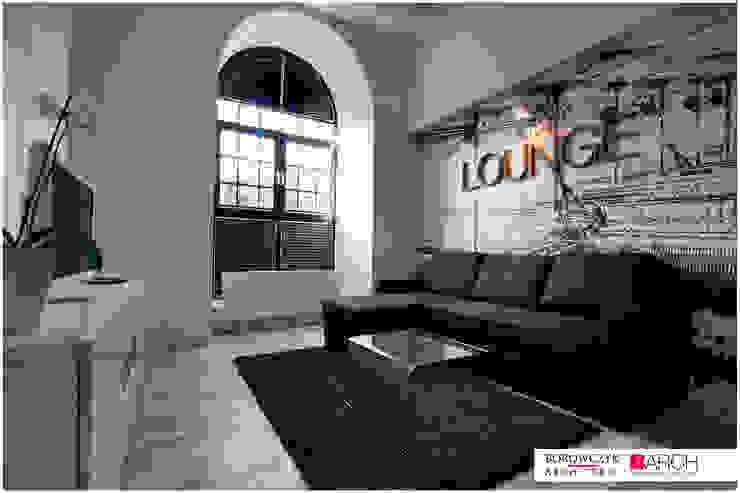mały LOFT dla singla: styl , w kategorii Salon zaprojektowany przez Borowczyk Architekci