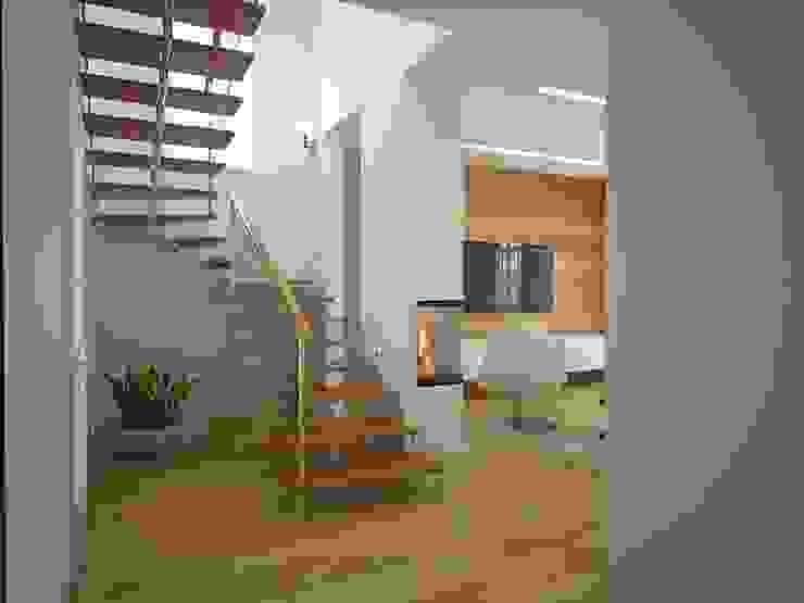 Гостиная и холл 1 этаж Гостиная в стиле модерн от Универсальная история Модерн