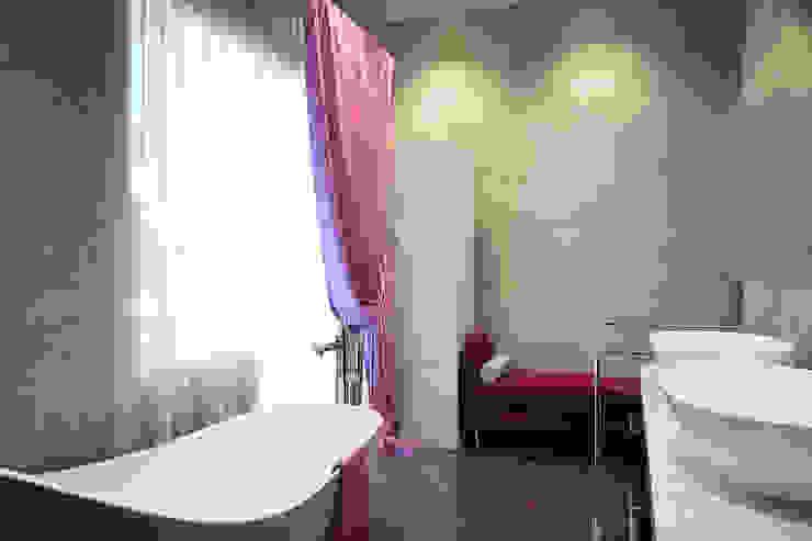 Ванна 2 этаж Ванная комната в стиле модерн от Универсальная история Модерн