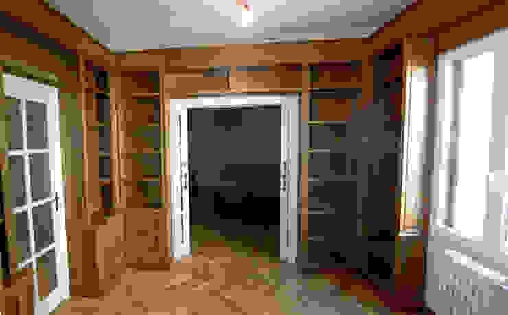 Librerí clásica Salones de estilo clásico de MUEBLES DE LA GRANJA Clásico