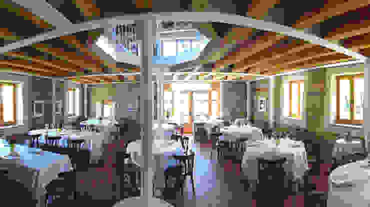 Restaurante Bares y clubs de estilo clásico de MUEBLES DE LA GRANJA Clásico
