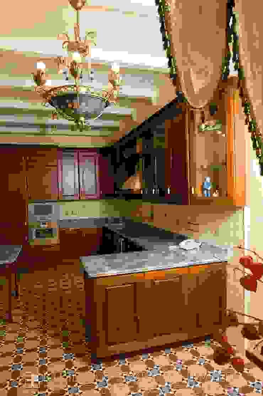 Кухня в классическом стиле Мастерская архитектора Аликова Кухня в классическом стиле