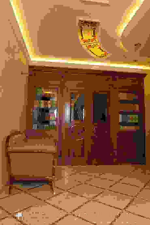 Холл в классическом стиле Мастерская архитектора Аликова Коридор, прихожая и лестница в классическом стиле