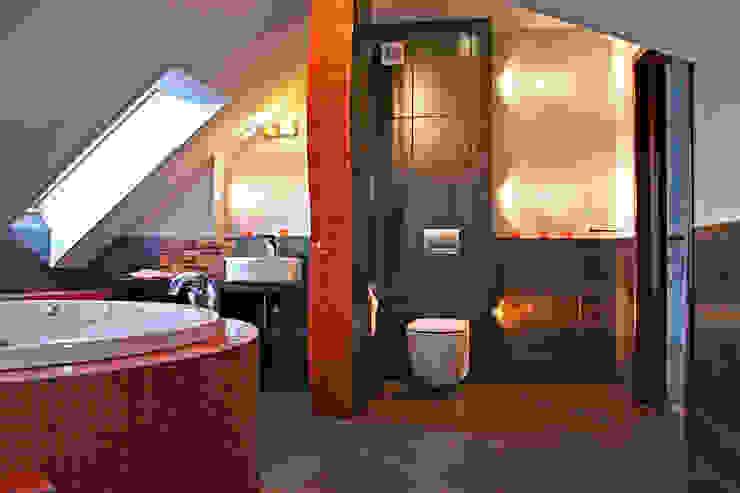 łazienka od FIRMAMENT arch.Renata Kula Nowoczesny