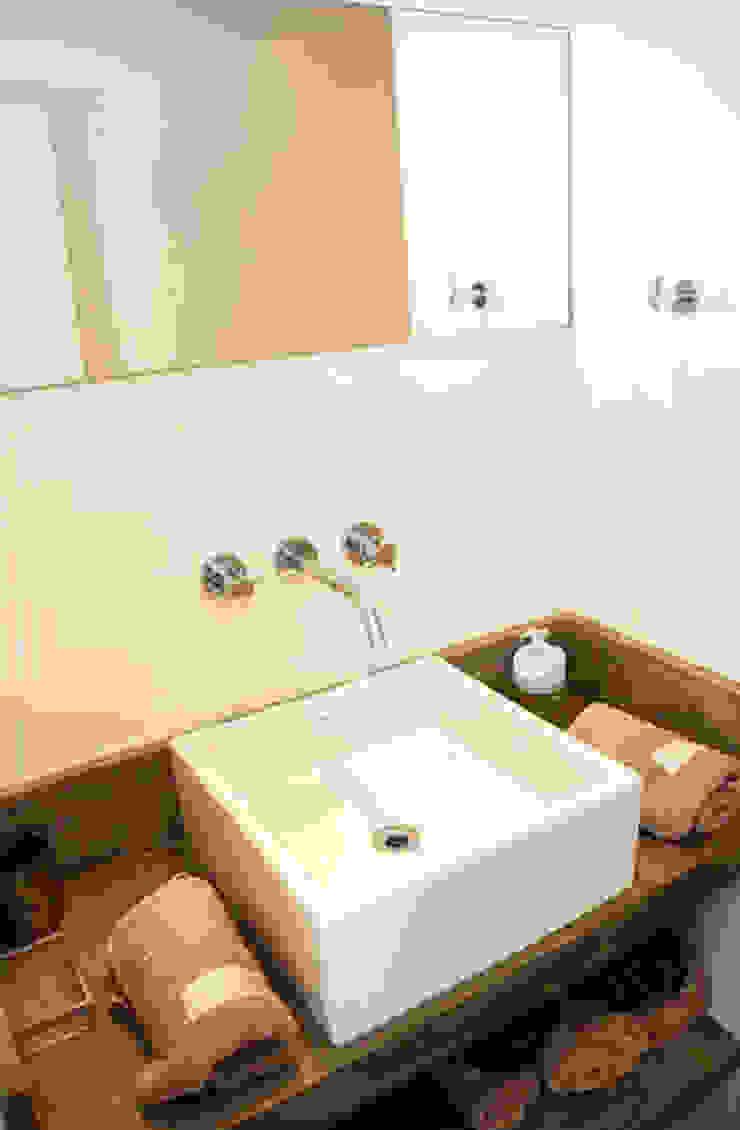 apartamento em Ipanema Banheiros modernos por Margareth Salles Moderno