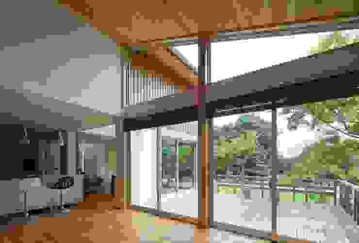 耳納の家 オリジナルデザインの リビング の ろく設計室 オリジナル