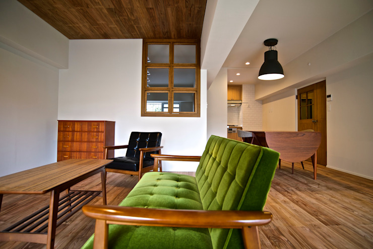 HOUSE U (リノベーション) クラシックデザインの リビング の ろく設計室 クラシック