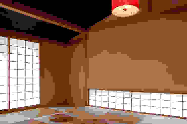 エコ・レトロの家 クラシックデザインの 多目的室 の 大森建築設計室 クラシック