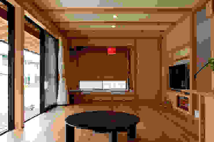 エコ・レトロの家 クラシックデザインの リビング の 大森建築設計室 クラシック