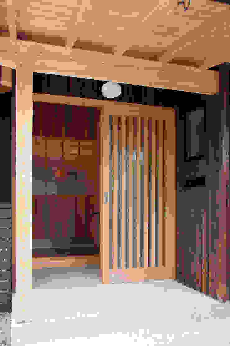 エコ・レトロの家 クラシカルな 窓&ドア の 大森建築設計室 クラシック