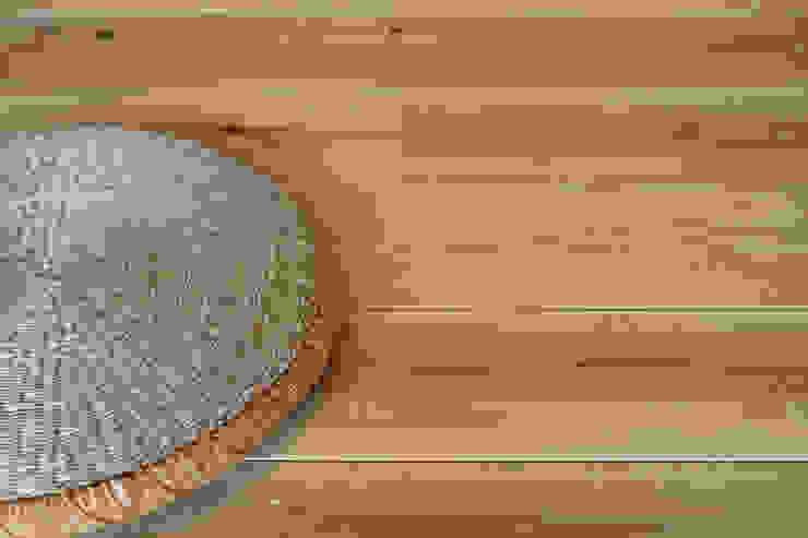 エコ・レトロの家 クラシカルな 壁&床 の 大森建築設計室 クラシック