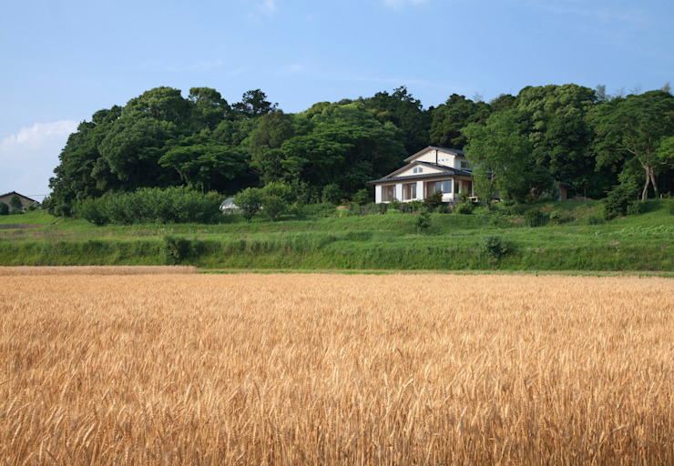 Country style house by ろく設計室 Country