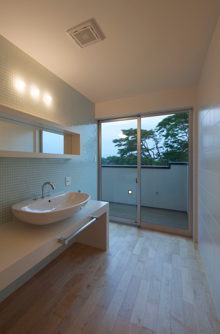 Eclectic style bathrooms by ろく設計室 Eclectic
