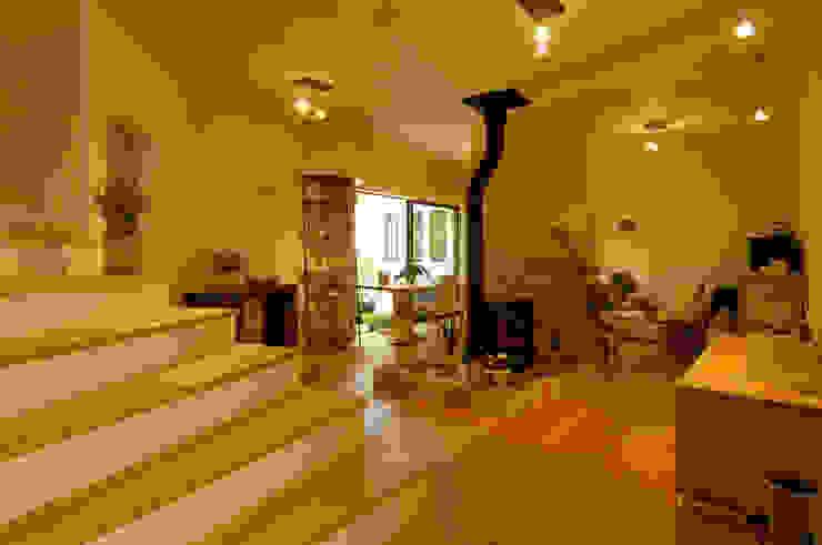 土佐漆喰の家 オリジナルデザインの リビング の 大森建築設計室 オリジナル
