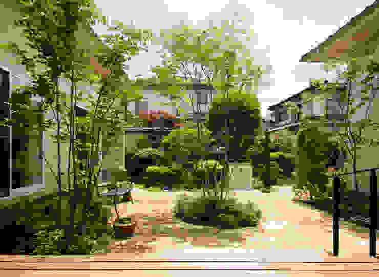 COURT YARD FURUKAWA DESIGN OFFICE Jardines de estilo moderno