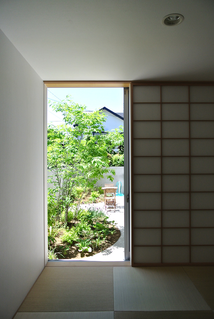 GARDEN from JAPANESE ROOM FURUKAWA DESIGN OFFICE Salle multimédia moderne