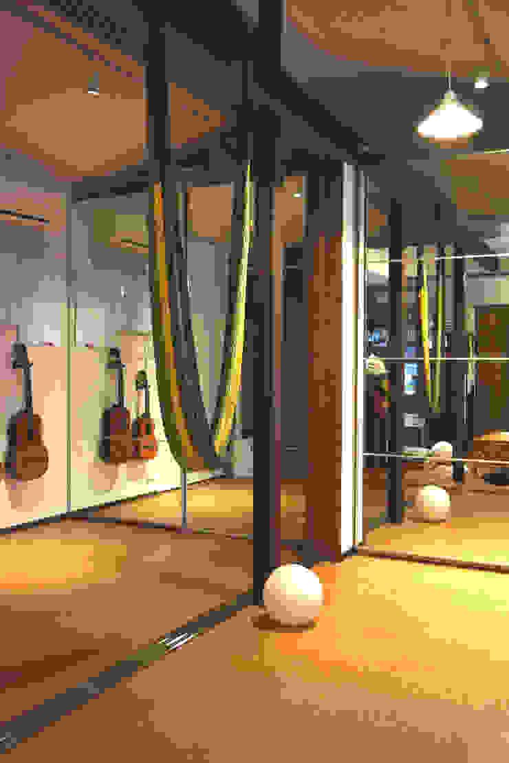 Bed room, Kids room FURUKAWA DESIGN OFFICE Salas multimedia de estilo moderno