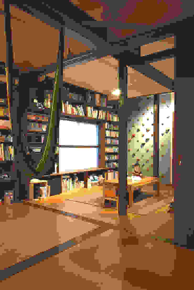 Dining FURUKAWA DESIGN OFFICE Salones de estilo moderno
