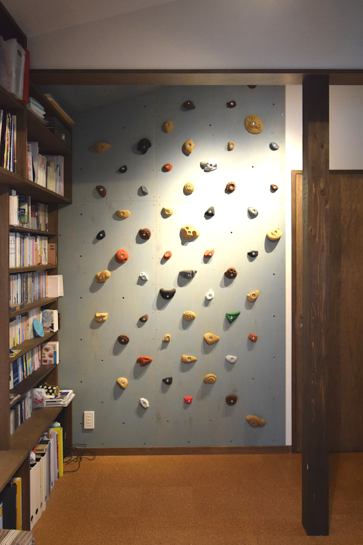 Climbing Wall FURUKAWA DESIGN OFFICE Salas multimedia de estilo moderno