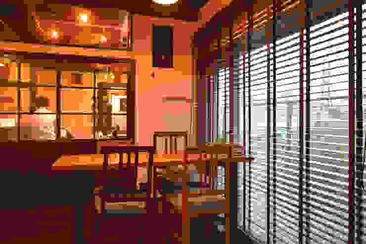 Cafe space FURUKAWA DESIGN OFFICE Salones de estilo moderno