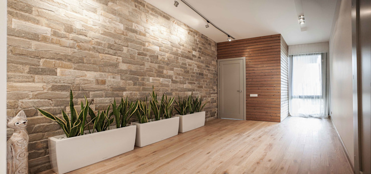 Koridor dan lorong oleh MARTINarchitects, Minimalis