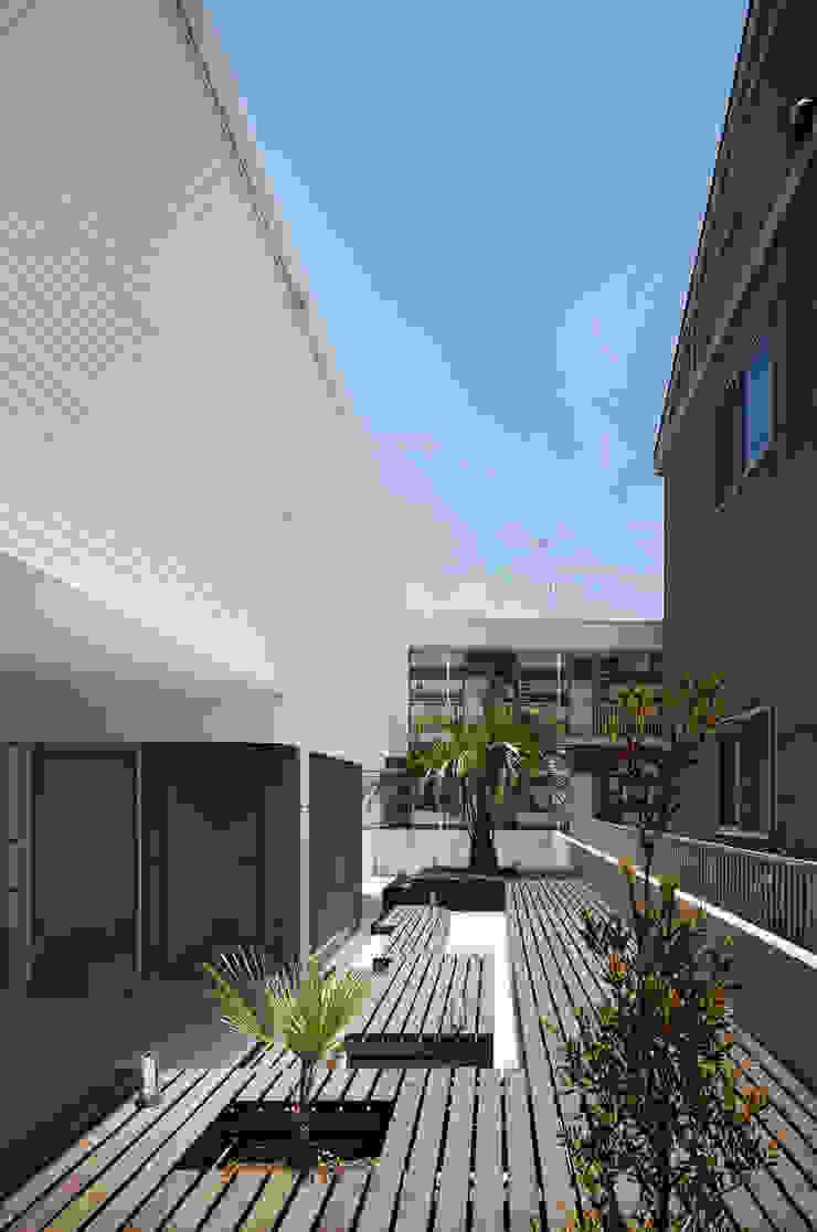 l a n i モダンな庭 の *studio LOOP 建築設計事務所 モダン