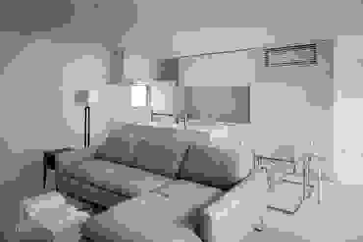 l a n i モダンな キッチン の *studio LOOP 建築設計事務所 モダン