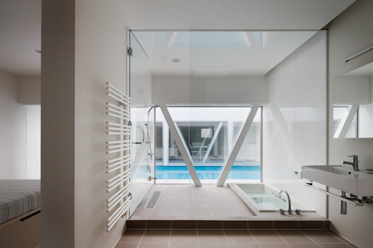 l a n i Modern bathroom by *studio LOOP 建築設計事務所 Modern