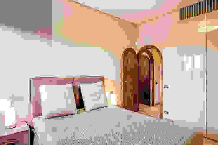 클래식스타일 침실 by MOB ARCHITECTS 클래식