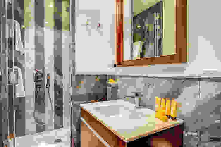 클래식스타일 욕실 by MOB ARCHITECTS 클래식