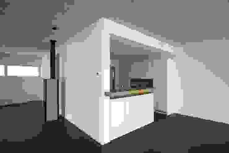 Einfamilienhaus als Passivhaus Moderne Küchen von RAB Rutz + Bänziger Architekten Modern