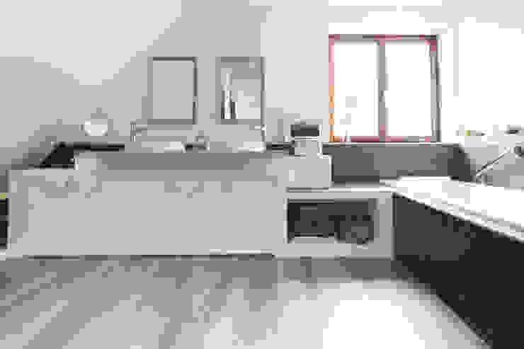 RENOVATION D'UNE SALLE DE BAINS Salle de bain scandinave par EK Architecte Scandinave