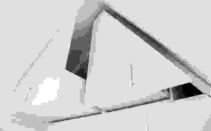 Oleh WEBERontwerpt | architectenbureau Minimalis