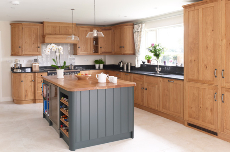 Oak worktop Dapur Modern Oleh Bordercraft Modern