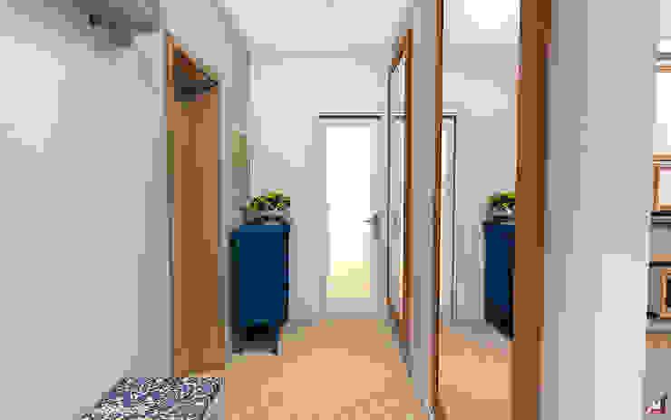 Квартира в Южном городе Коридор, прихожая и лестница в модерн стиле от A.workshop Модерн