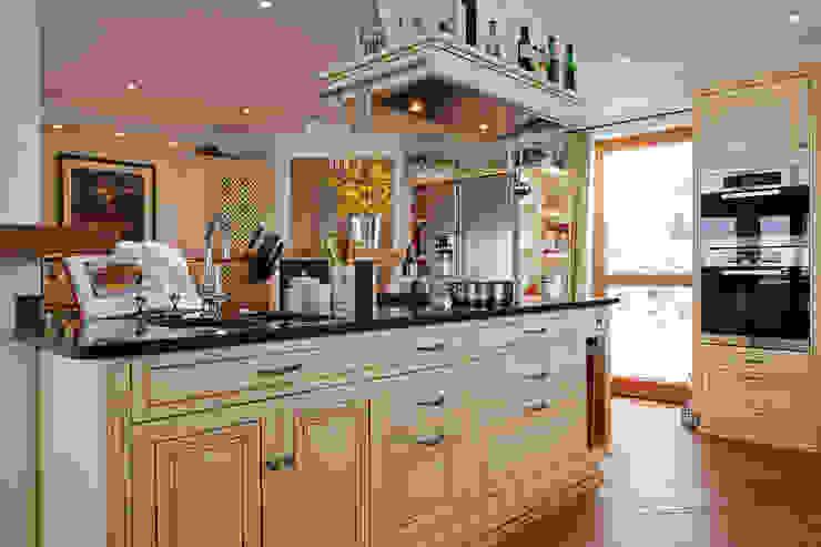 廚房 by Beinder Schreinerei & Wohndesign GmbH, 鄉村風