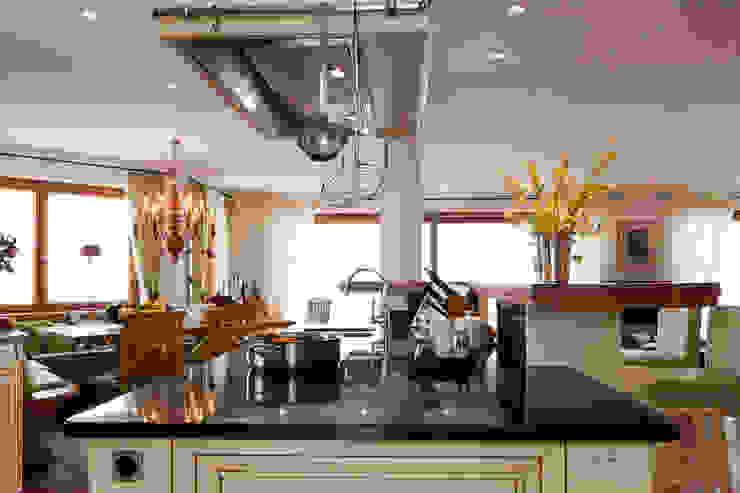 Cozinhas campestres por Beinder Schreinerei & Wohndesign GmbH Campestre