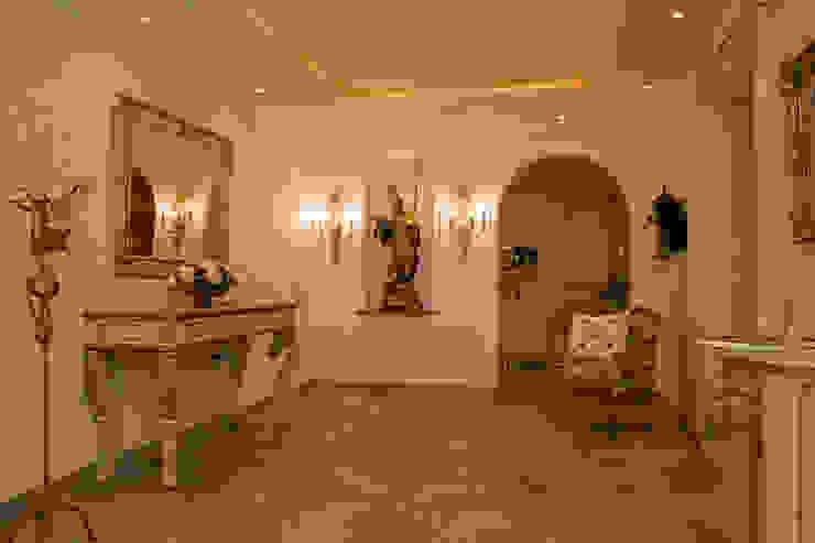 Country style corridor, hallway& stairs by Beinder Schreinerei & Wohndesign GmbH Country