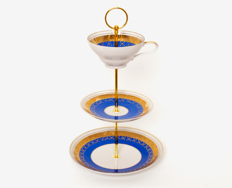 Lieselotte Etagere aus Vintage Sammeltasse blau-gold: modern  von Lieselotte,Modern